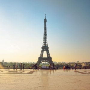 Eiffel_Tower_from_Palais_de_Chaillot,_18_April_2011
